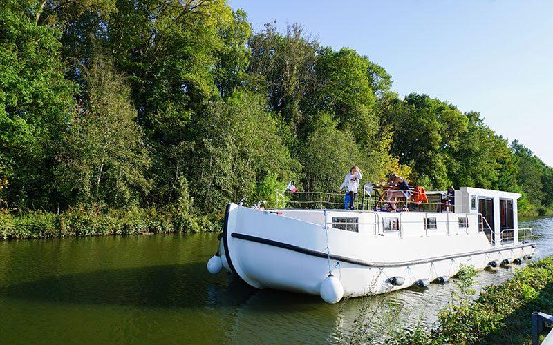 Vacances en basse saison : nos conseils pour voyager en bateau au mois d'octobre 🛥
