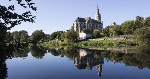 Croisière fluviale en Mayenne : 8 lieux incontournables à visiter