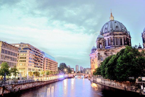 Berlin, capital de l'Allemagne réunifiée