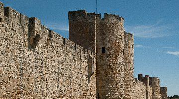 Les tours et les remparts d'Aigues-Mortes