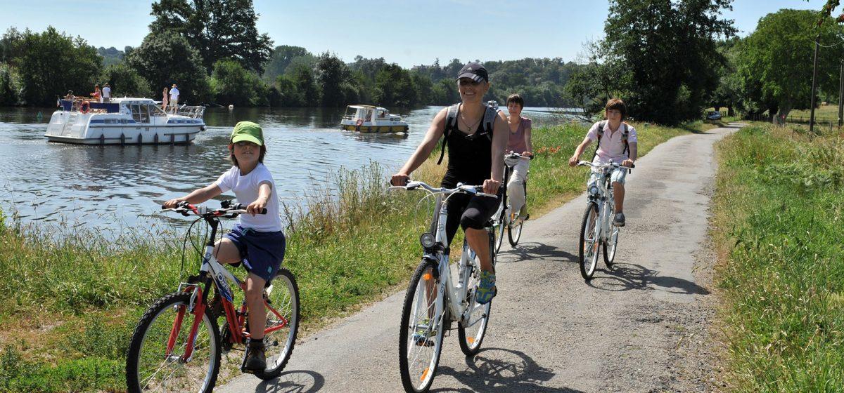 Fahrrad und Hausboot