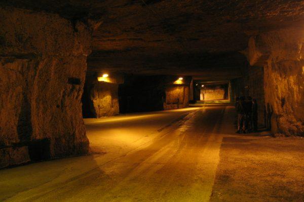 Le Hameau de Bailly et les caves Bailly Lapierre